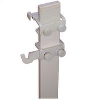 Механизм крепления стального радиатора к напольному кронштейну